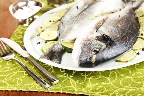Peștele este printre cele mai sănătoase alimente bogate în proteine