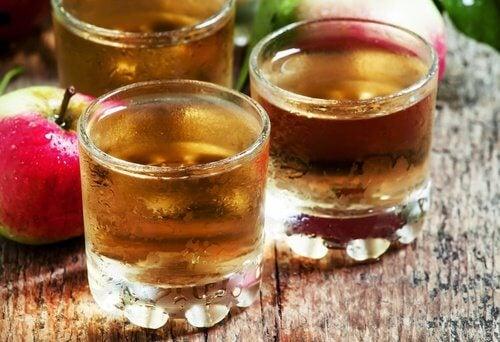 Oțetul de mere este util pentru reducerea aspectului celulitei
