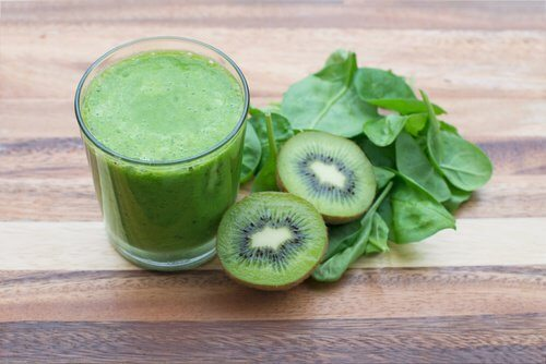 Smoothie-uri naturale pentru reglarea glicemiei cu kiwi