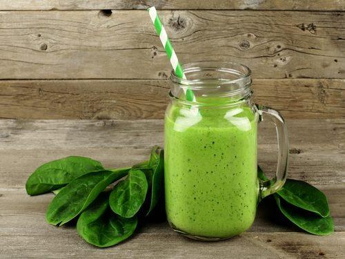 Smoothie-uri naturale pentru reglarea glicemiei cu spanac