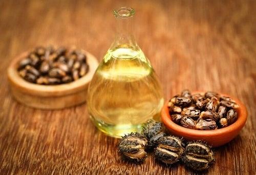 Balsam natural pentru alungirea genelor cu ulei de ricin