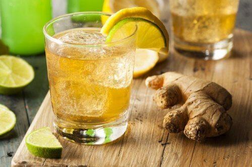 Băuturi care te ajută să slăbești cu ingrediente ca ghimbirul
