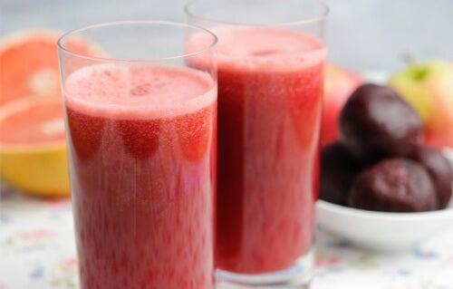 Băuturi naturale benefice pentru ficat ce elimină toxinele