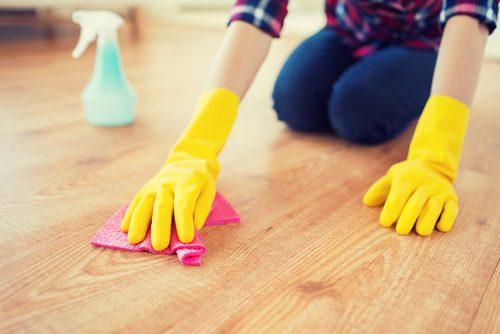 Curățenia te ajută să arzi rapid 100 de calorii