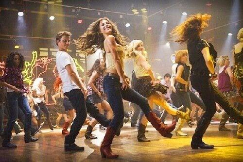 Dansul este printre cele mai bune exerciții pentru combaterea anxietății