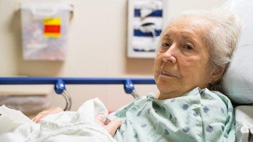 Escarele de decubit afectează mulți vârstnici care stau la pat