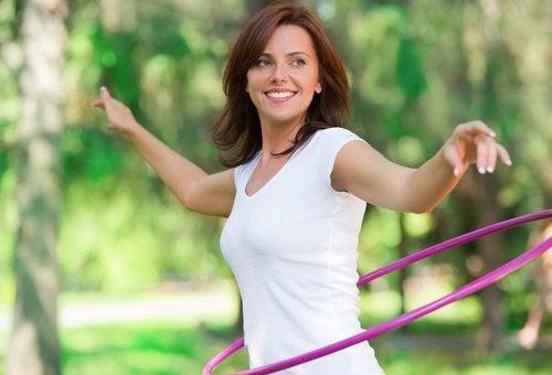 Exerciții fizice ce te ajută să te menții tânără