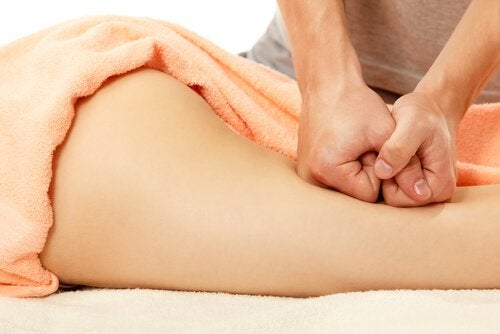 Lipedemul poate fi ameliorat cu masaje
