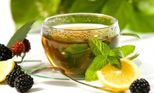 Diverse ingrediente îți oferă noi moduri de a bea ceai verde