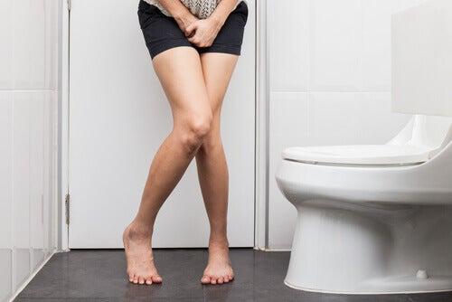 Problemele vezicii urinare pot fi simptome ale fibromului uterin