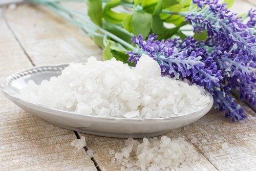 Remedii pentru ciupercile pielii cu sare de mare