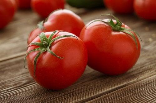 Roșiile sunt un ingredient de bază în acaestă rețetă de salmorejo