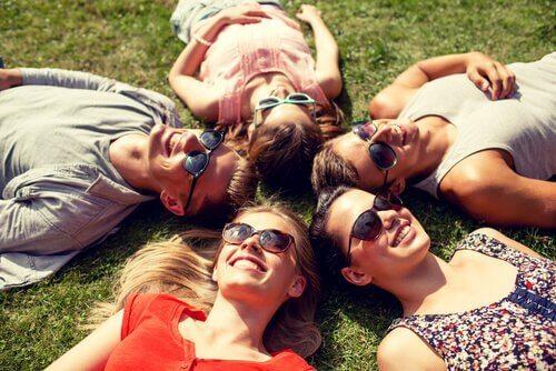 Relaxarea și alte trucuri ca să combați durerea cervicală