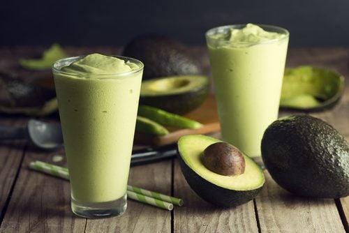 Băuturi naturale pentru slăbit cu avocado