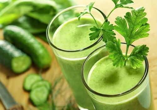 Băuturi naturale pentru slăbit cu pătrunjel