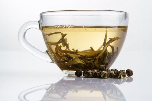 Ceaiul produce modificări epigenetice la femei