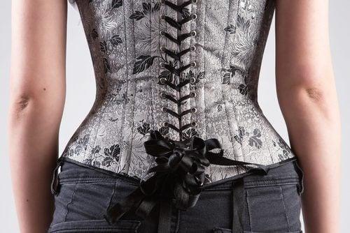 Centurile pentru subțierea taliei tip corset