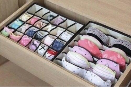 Cutii pentru a aranja corect hainele în dulap