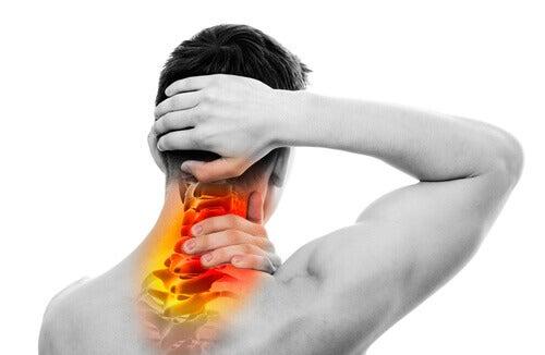 Întărirea mușchilor cervicali previne durerea