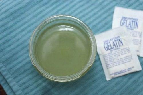 Mască facială cu lapte și gelatină plină de nutrienți benefici