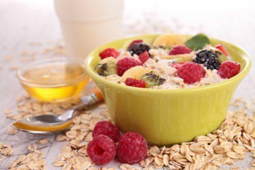 Mic dejun pentru a elimina grăsimea cu fructe