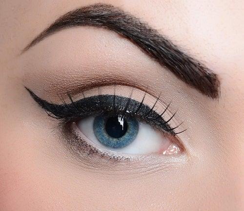 Moduri de a folosi tușul de ochi ca să fii frumoasă