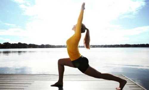 Poziții de yoga pentru slăbit foarte simple