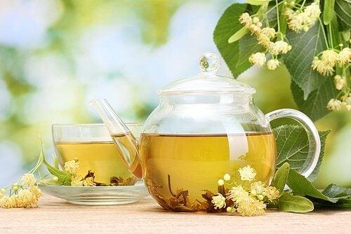 Remedii care relaxează sistemul nervos cu ceai de tei