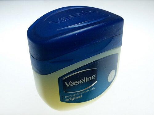Remedii naturiste împotriva păduchilor cu vaselină