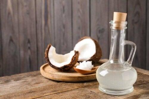 Sticlă cu ulei de cocos