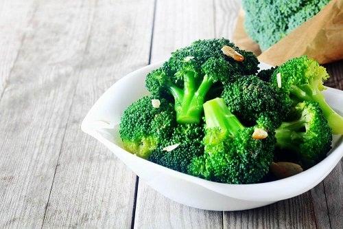 Alimente pentru desfundarea articolelor ca broccoli