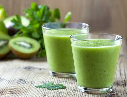 Băuturi pentru slăbit cu spanac și kiwi