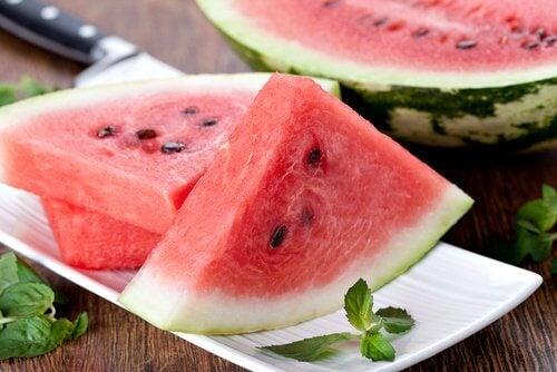 Beneficii ale pepenelui verde vara