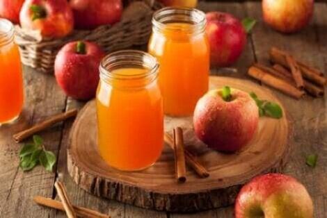 Borcane cu gem de fructe pentru tratarea sindromului de colon iritabil