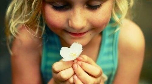 Borcanul fericirii ajută la educarea copiilor