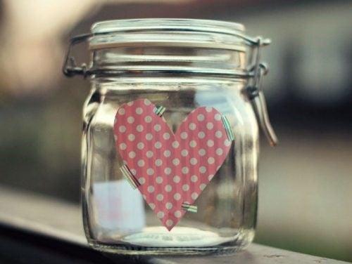 Borcanul fericirii ne ajută să ne exprimăm sentimentele