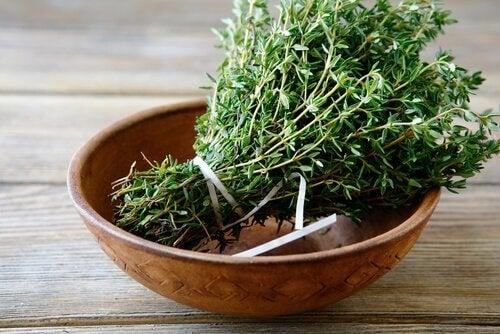 Cimbrul în remedii naturale împotriva puricilor