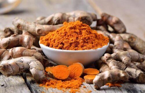5 condimente care elimină toxinele din organism