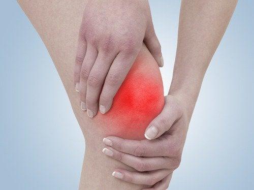 5 exerciții împotriva durerii de genunchi