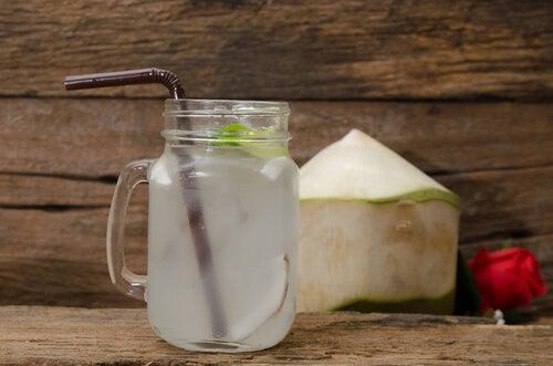 Hidratarea pentru îngrijirea pielii la menopauză