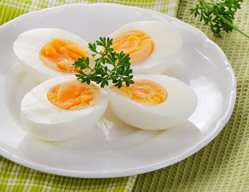 Ouăle pe lista de alimente pentru a trata insomnia