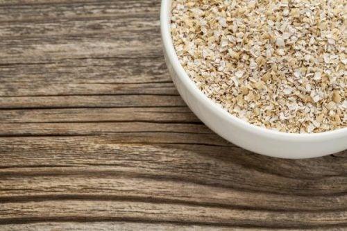 Remedii naturiste împotriva constipației cu ovăz
