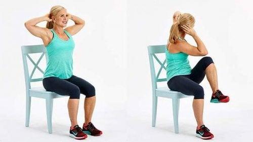 Ridicări de genunchi ce ard grăsimea abdominală