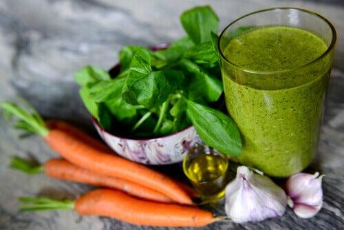 Suc de spanac în remedii naturale pentru scăderea colesterolului