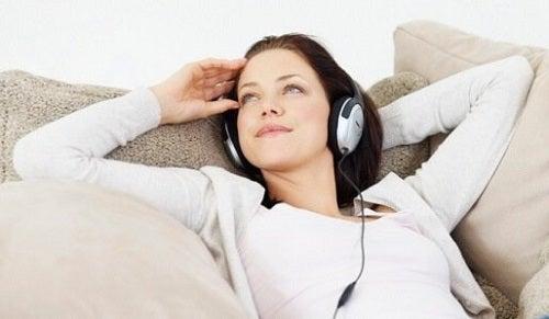 Tehnici pentru îmbunătățirea autocontrolului prin relaxare