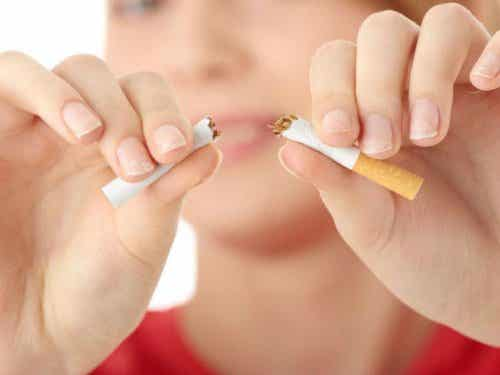 15 tehnici psihologice pentru a renunța la fumat