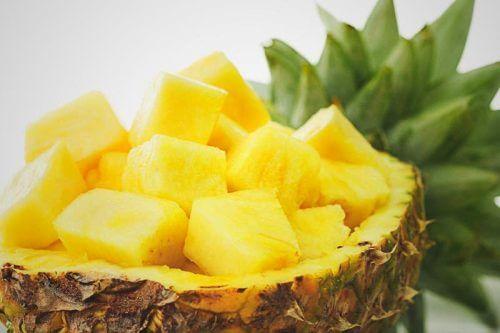 Ananasul pe lista de alimente bogate în melatonină