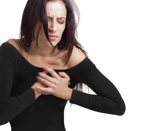Cauze frecvente ale durerilor în piept foarte grave