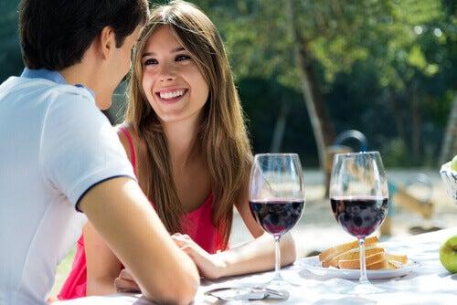 Cum să îți seduci partenerul printr-o comunicare eficientă