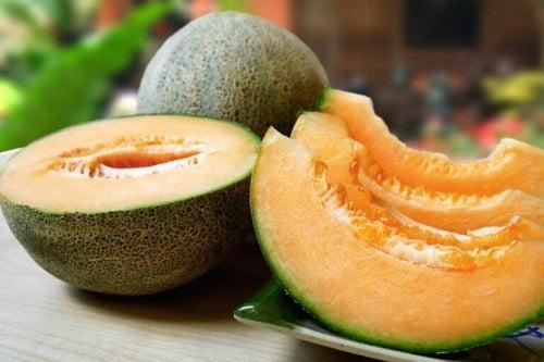 Fructe pentru a trata retentia de apă ca pepenele galben